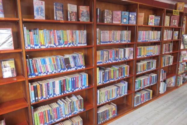 The library is now fully stocked with beautiful home language and English books